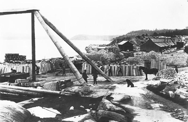 Enorme mengder stein ble hugget og fraktet fra Iddefjorden.