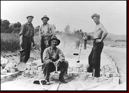 Steinsetting steinhogger seinhugger